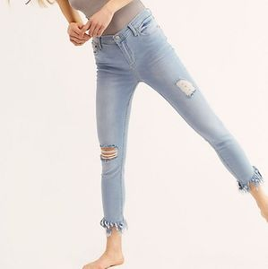 Free People Frayed Skinny Jeans Size 25